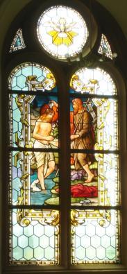 "Kirchenfenster ""Jesu Taufe"", Foto: Herbert Stellbrink"