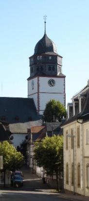 Kirche und Parrgasse, Foto: Herbert Stellbrink