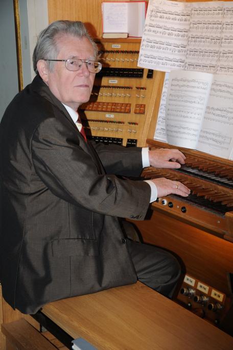 Organist Adolf Rückert